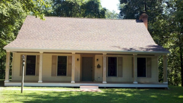 Customer Projects karens house IKO Architectural Shingles Azek Brownstone PVC Porch Flooring Custom Porch Posts Structural Columns Ironstone Building Materials Lancaster Elizabethtown PA